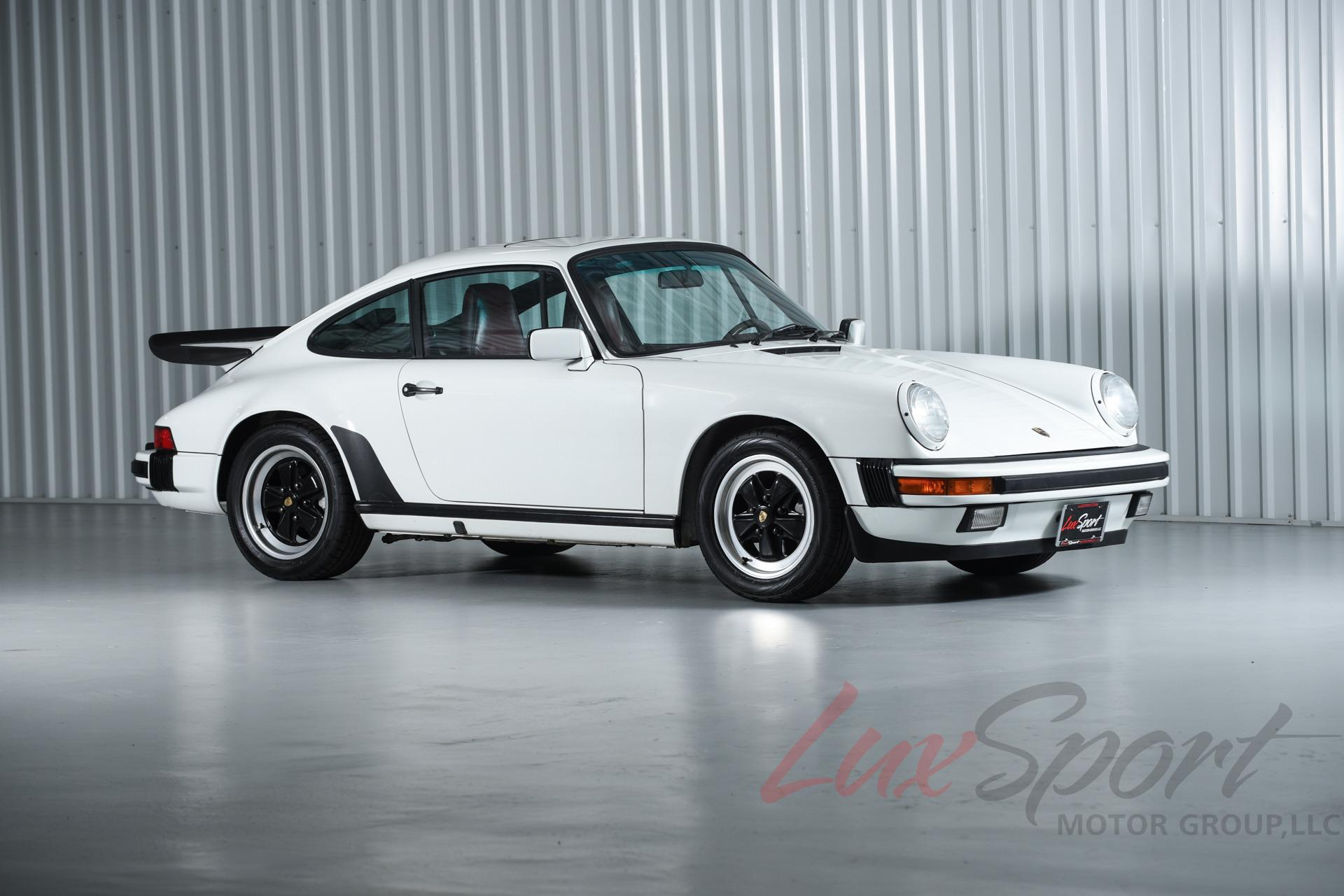 Image 2 of Porsche: 911 Carrera…